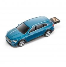 Audi e-tron USB-mälupulk, Antiiksinine, 32 GB